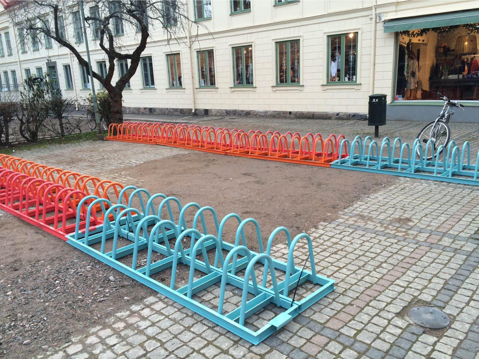 Cyklos pyöräteline ZETA lukitus kaarella erilaisissa RAL-väreissä