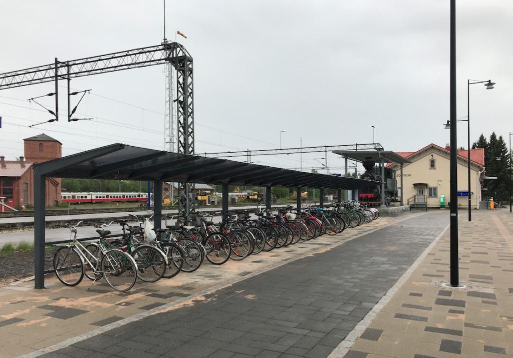 Pyöräkatos Joenuusn rautatieasemalla