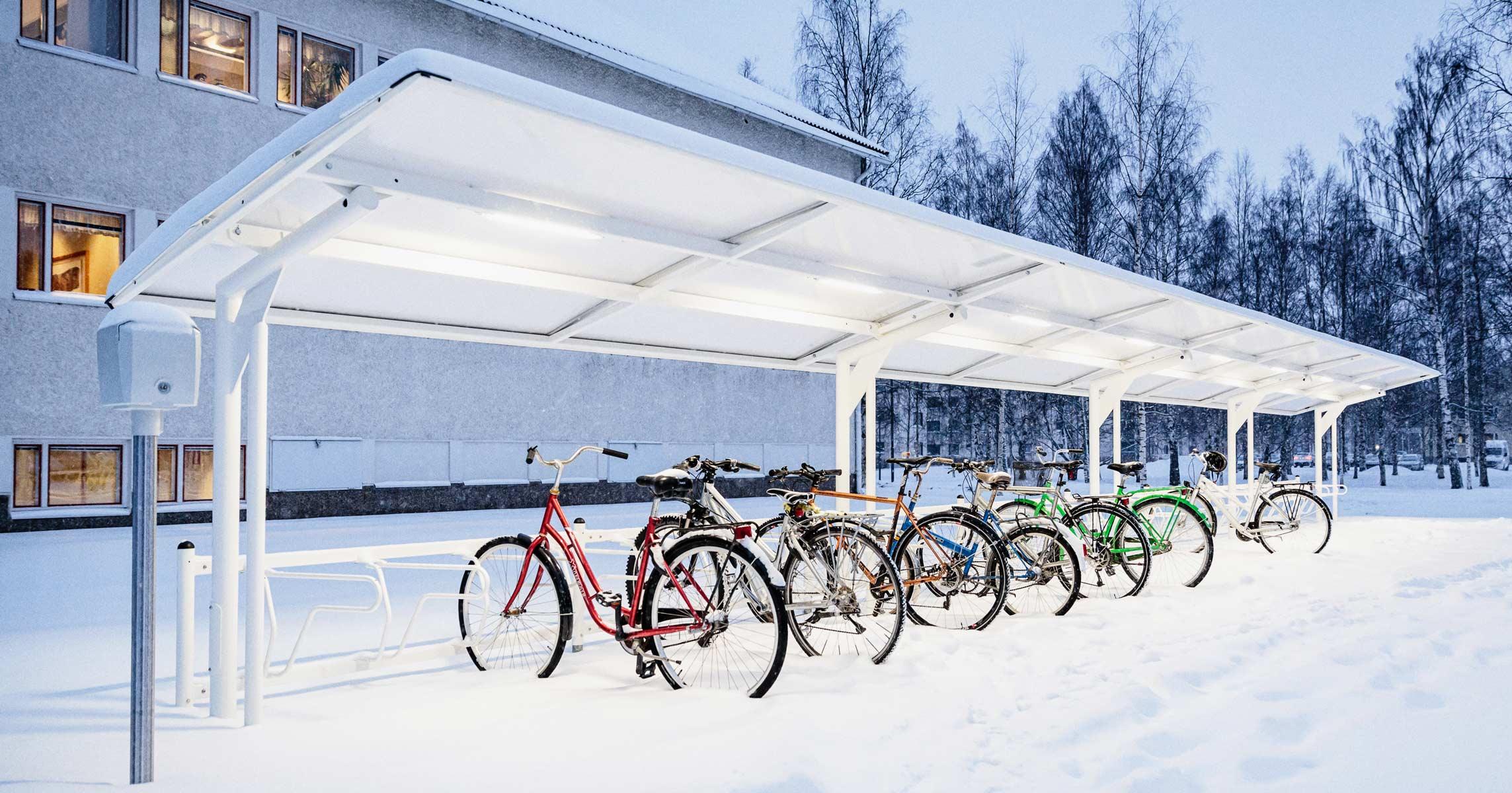 Talvinen pyöräkatos