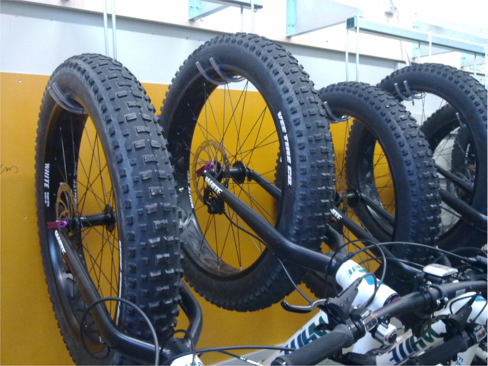ROTOFLEX sykkeloppbevaring er løsningen når det gjelder oppbevaring av sykler i lager og kjeller.