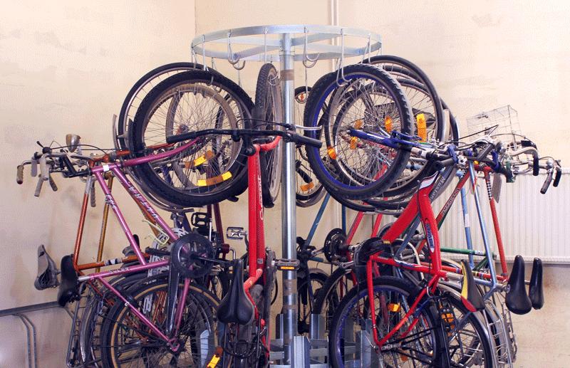 ROTOFLEX sykkeloppbevaring av sykler i lager og kjeller.