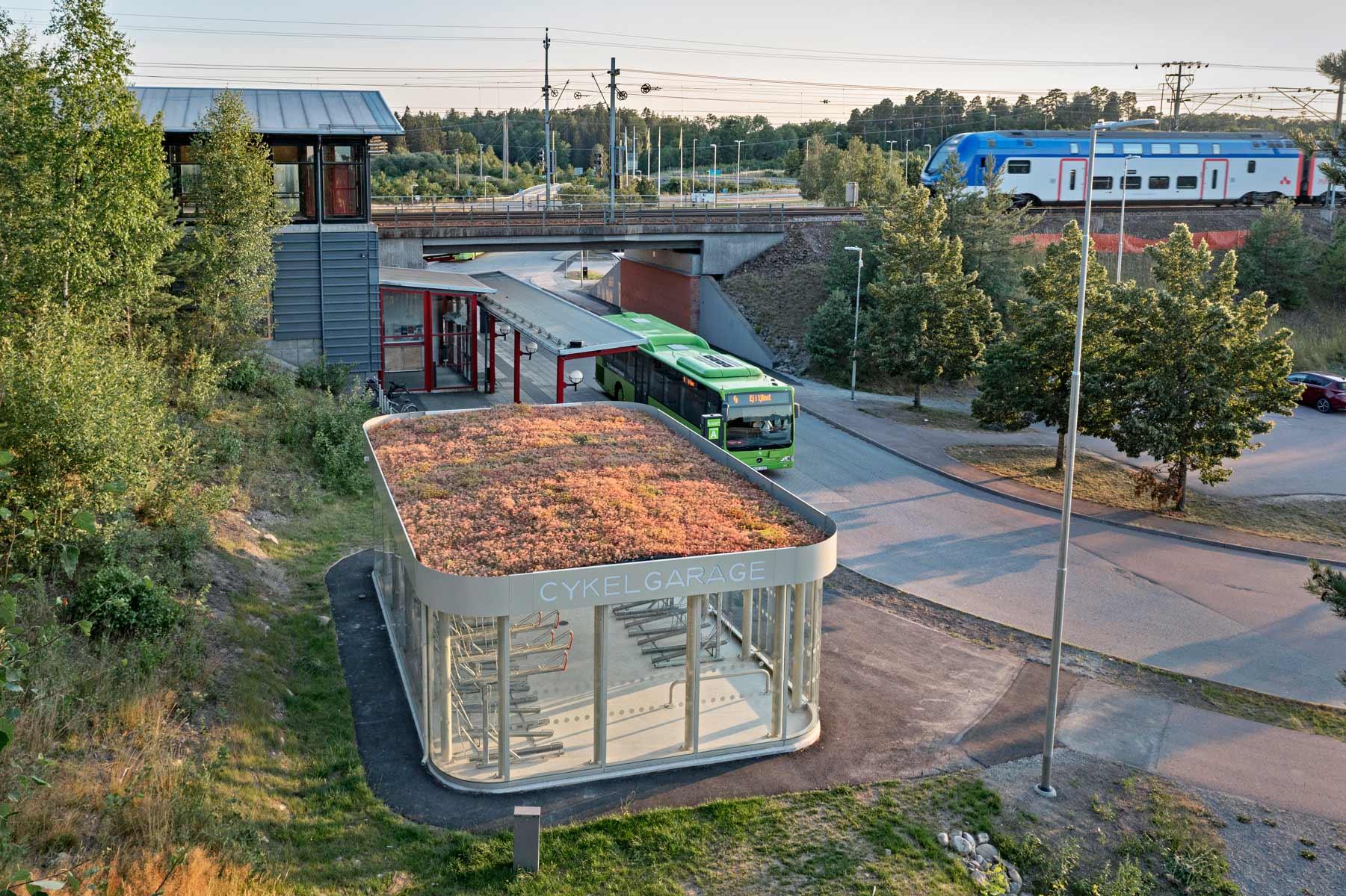 Sykkelparkering vid togstasjon