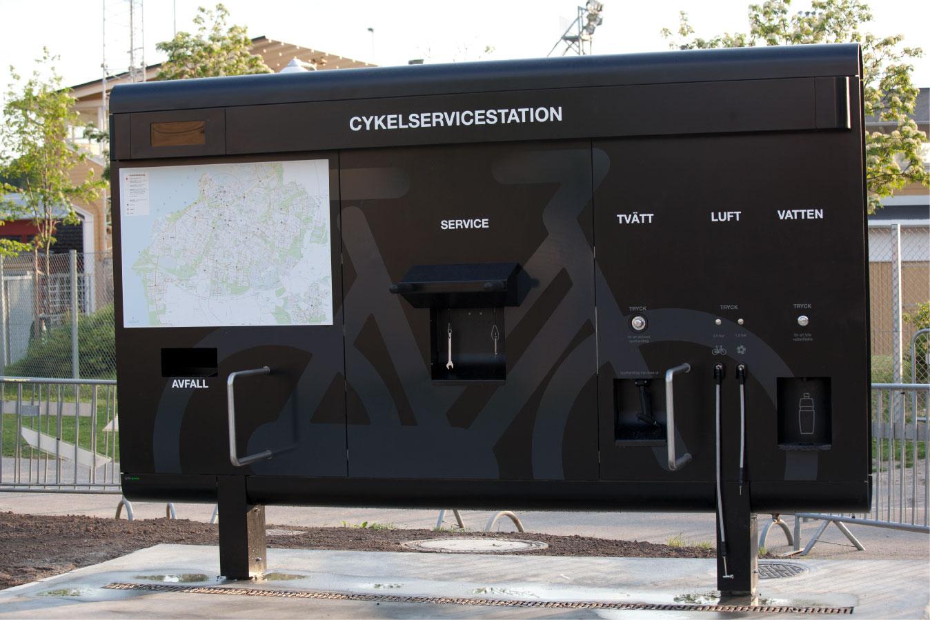Cyklos cykelservicestation GRAND i Malmö för cyklar med tvätt, luft, verktyg och påfyllning av dricksvatten.