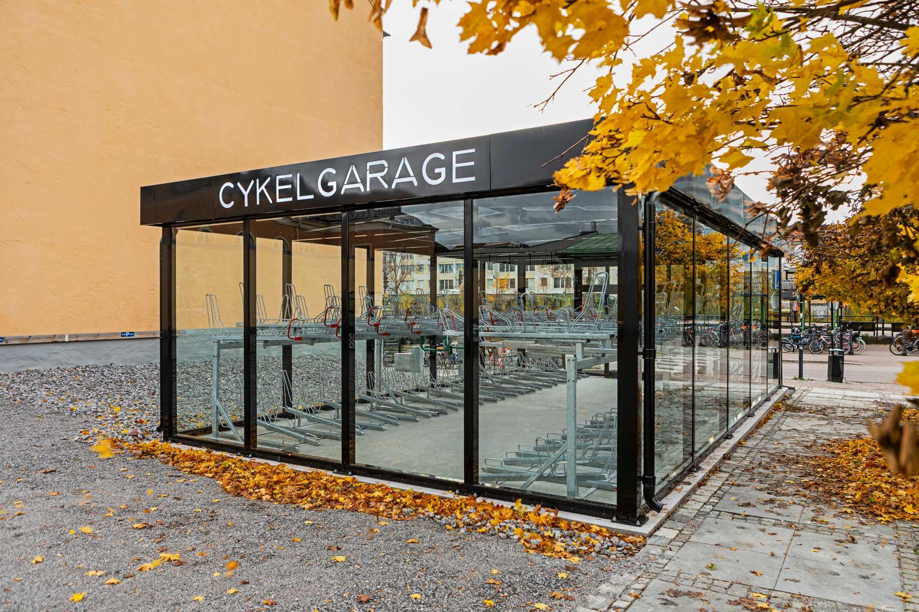 Cykelgarage med glasväggar