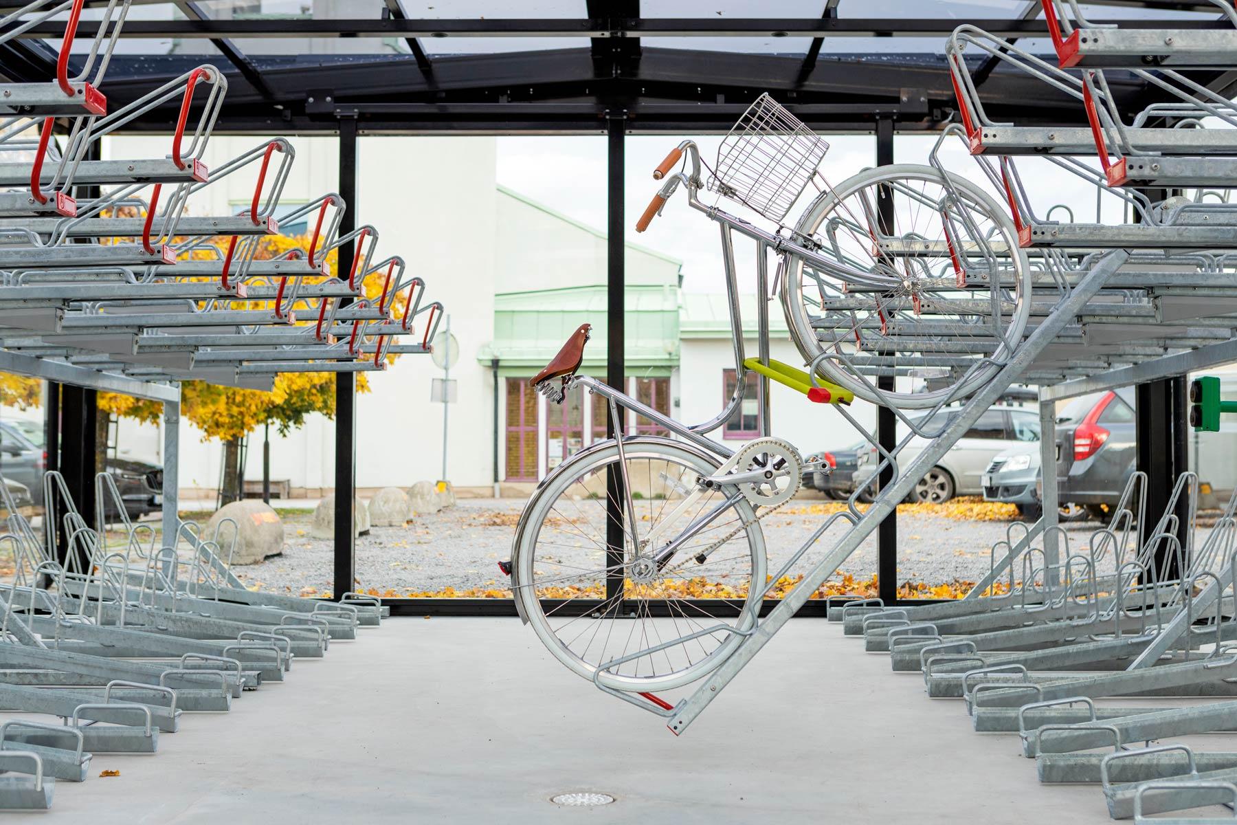 Cykelgarage med tvåvåningsställ