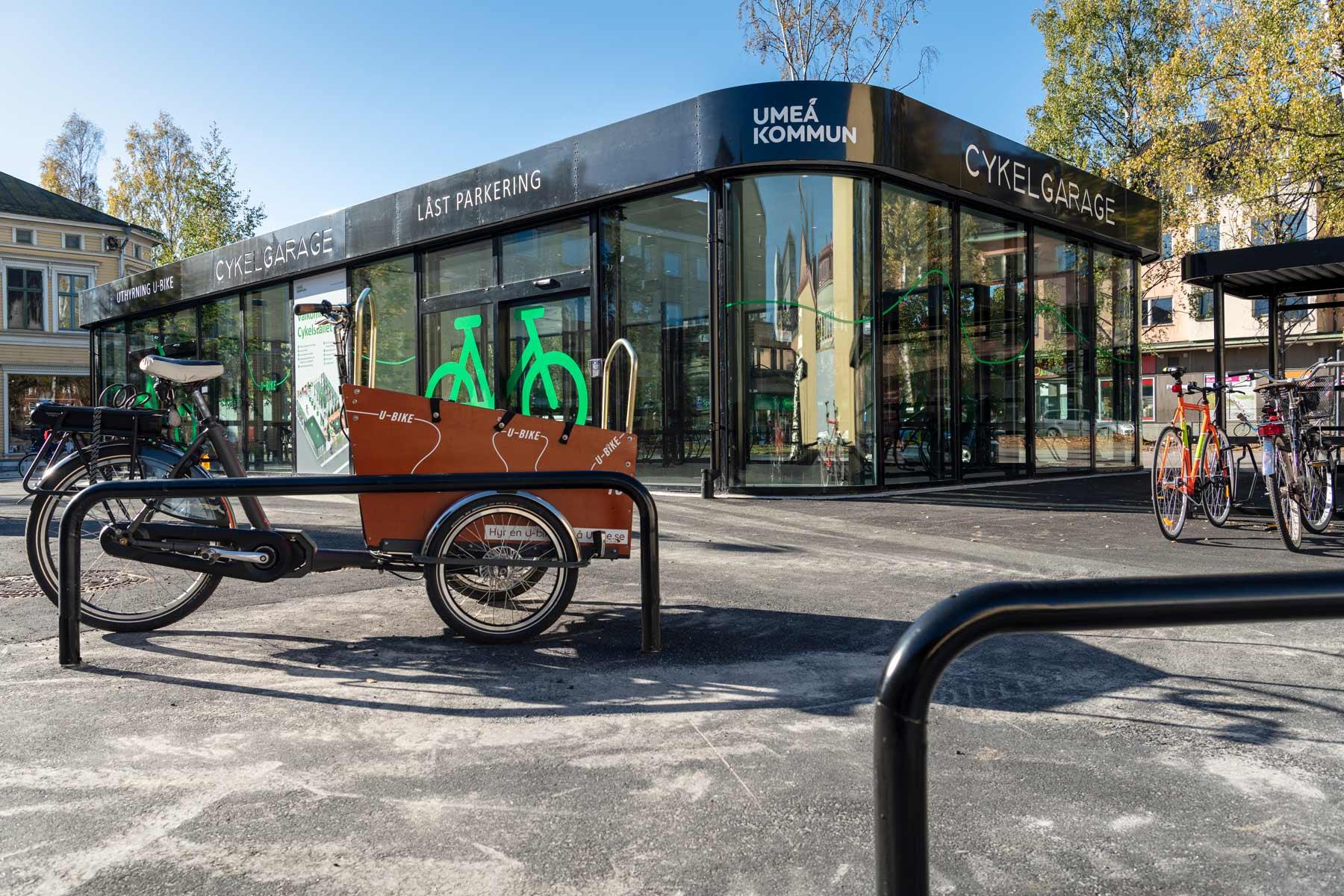 Lastcykel vid en cykelparkering för lastcyklar